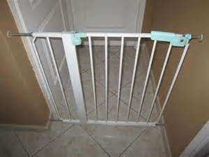 Barriere De Securite Escalier by Barriere De Securite Ikea Metal Ouvrante Aukazoo
