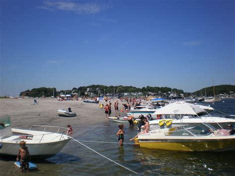 Rockport Boat Rentals by Anchor At Wingaersheek For A Bit On Your Adventure