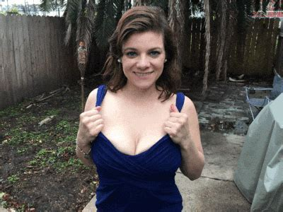 Flashing Big Tits Outside X Post From Realgirls Titty Drop Adult Pictures Pictures