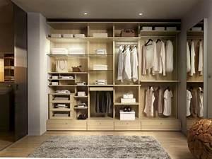 Dressing Sans Porte : 1 dressing sans portes c 39 est tendance ~ Dode.kayakingforconservation.com Idées de Décoration