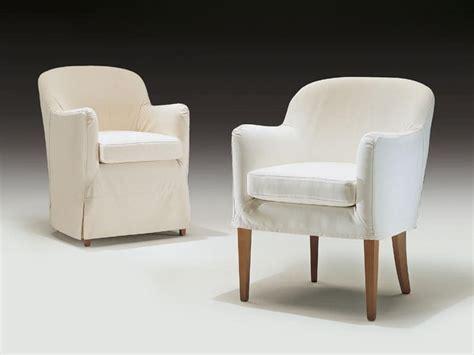 Poltroncine Imbottite Design : Poltroncina Moderna, In Legno E Poliuretano, Per Uso