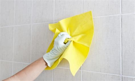 easy steps  cleaning walls smart tips