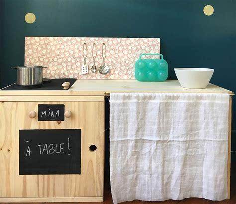 cuisine en bois h黎re fabriquer une cuisine en bois pour enfant gallery of cuisini re en bois pour enfant fait maison maisonnette fabriquer cuisine bois enfant with
