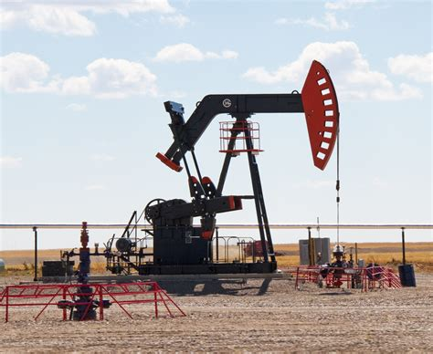 File:Oil Pump (8037088873).jpg - Wikimedia Commons