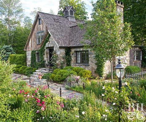 cottage garden style  homes gardens