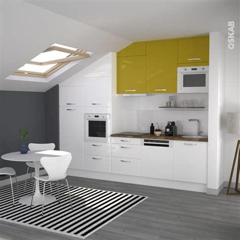 cuisine blanche et jaune cuisine jaune et blanche en i de style moderne