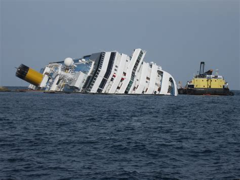 Cruise Ship Capsized | Fitbudha.com