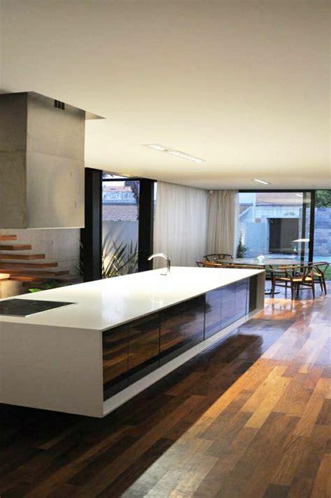 cuisine en gris cuisine sol gris meuble blanc 20170923053836 tiawuk com