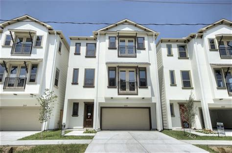 beautiful 3 story patio home construction centrally