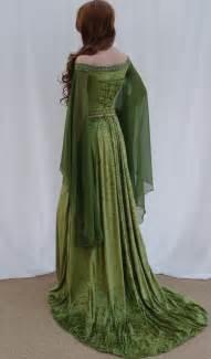mittelalterliche brautkleider elfen kleid keltische brautkleid mittelalter camelotcostumes kleider elfen