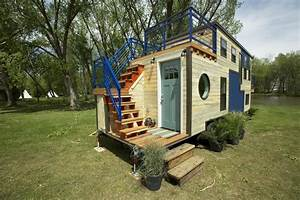 Tiny House Mobil : tiny mobile ski lodge with open upper deck and balcony idesignarch interior design ~ Orissabook.com Haus und Dekorationen