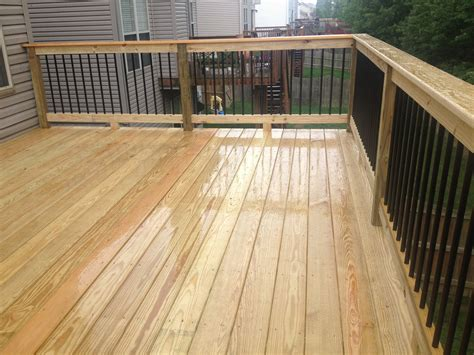 Black Metal Aluminum Spindles On 12x16 Deck With Premium