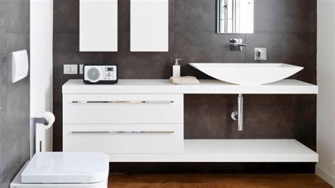 moisissure salle de bain que faire moisissure quoi faire avant de repeindre