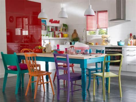 cuisine pour famille nombreuse la salle à manger colorée idéale pour les familles