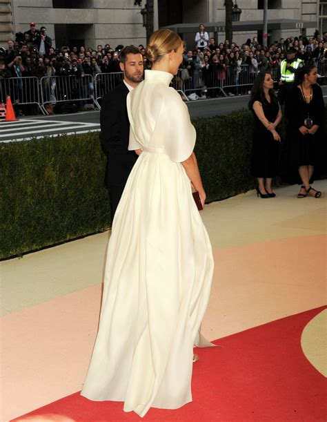 Karlie Kloss Met Costume Institute Gala New York