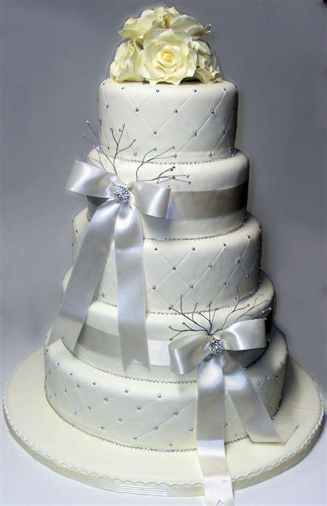 torta de bodas preparada por del rio cake boutique lima