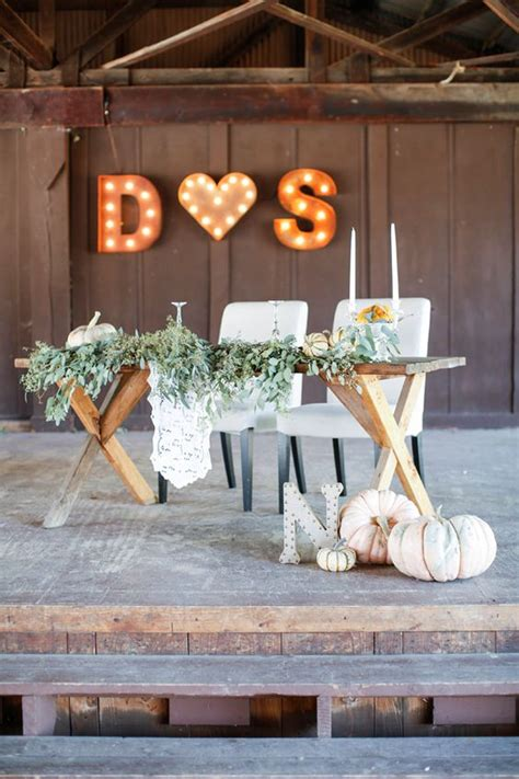 fall wedding reception sweetheart table ideas roses
