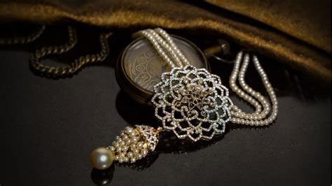 jewellery sale trends whats sparkling  whats