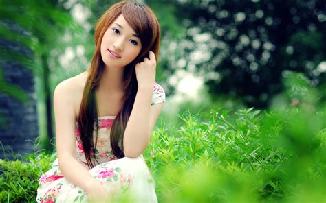 Learning About China By Looking At Pretty Girls