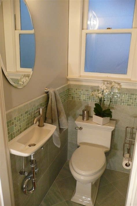 Tiny Bathrooms Ideas by Awesome Use Of Space For A Tiny Bathroom If That Is Not