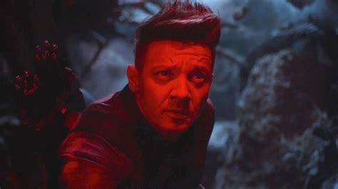 Avengers What Hawkeye Ronin Costume Reveals About The