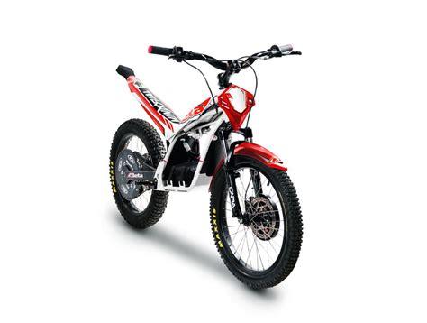 """Grazie alla collaborazione con acerbis vi mostriamo l'abbigliamento protettivo necessario nel motocross. Beta Minitrial Electric 20"""" · ALMA MOTO · CONCESSIONARIA ..."""