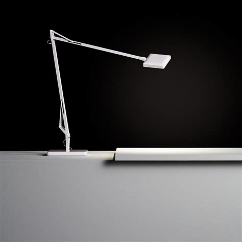 Antonio citterio with toan nguyen Flos Kelvin LED Green Mode Desk Lamp With Base | AmbienteDirect