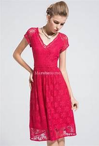 robe en dentelle rouge avec col en v et manches With robe col en v
