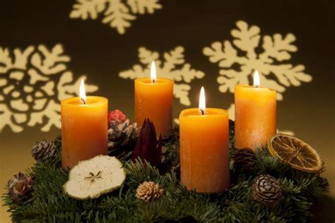 candele per natale come creare dei sottopiatti per la tavola di natale