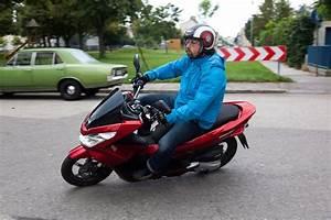 Honda 125 Pcx : testbericht honda pcx 125 roller start stopp automatik ~ Medecine-chirurgie-esthetiques.com Avis de Voitures