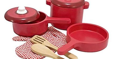 Melissa & Doug Wooden Kitchen Accessory Set-funky Red