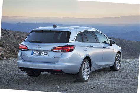Opel Astra Sport Tourer by Opel Astra Sports Tourer 1 6 Biturbo Cdti Topgear