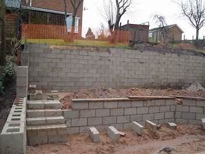 wall building concrete block retaining wall contruction With building a garden wall with concrete blocks