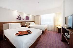 Best price on hampton by hilton gatwick north in london for Hilton sofa bed
