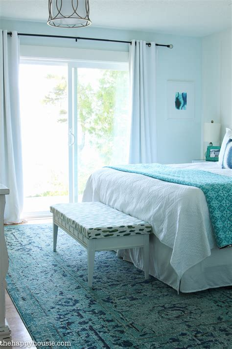 How to Decorate Your Master Bedroom on a Budget The