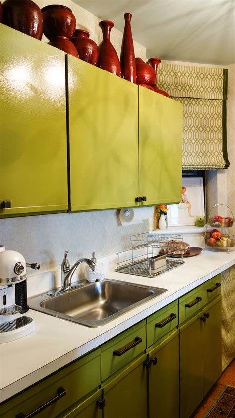 design sponge kitchen a harlem rental that fearlessly embraces the color wheel 3209