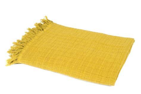 plaid coton pour canape les 25 meilleures id 233 es concernant plaid canap 233 sur living room lounge et oreillers