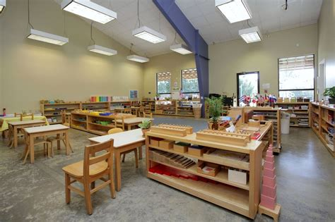 montessori kindergarten classrooms white rock montessori 400 | 4dd0c02ba0d8663fd677f0d6c96f63d2