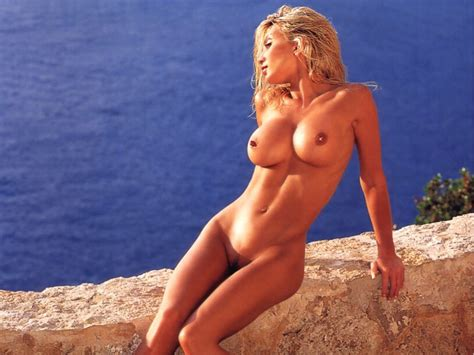 Nude Share -boobies - Caprice Bourret