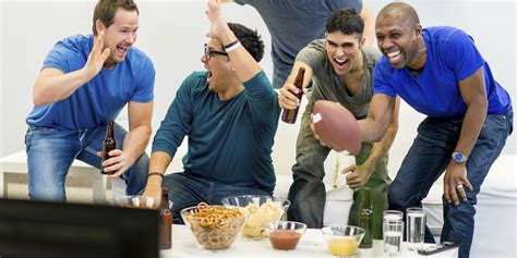 type of sport that fans watch on tv on thanksgiving how to enjoy watching the super bowl even if you know