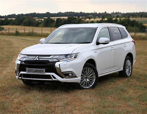 Mitsubishi Outlander Per Gallon by Mitsubishi Outlander Phev Hybrid 2019 Uk Price Specs