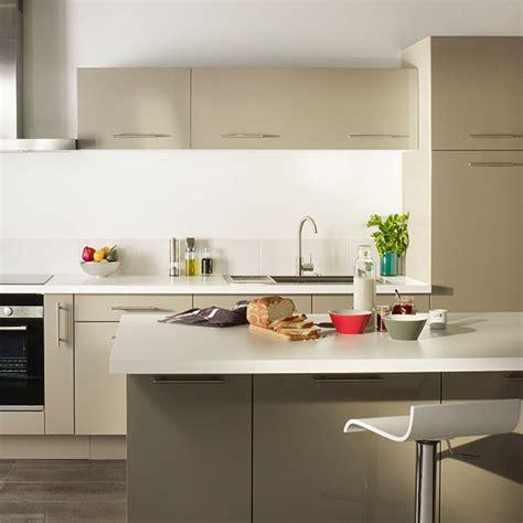 castorama accessoires cuisine cuisine taupe gossip cooke lewis castorama cuisine salle à manger crédence