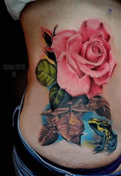 fiori fianco tatuaggio realistici fiore fianco rana di puedmag