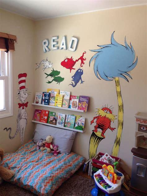 dr seuss wall mural painting reading corner  kids cat
