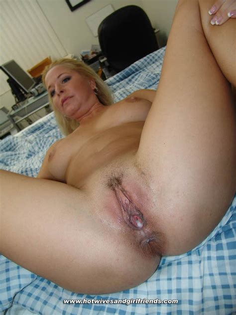 Superb Milf In A Awesome Creampie Picture Binar
