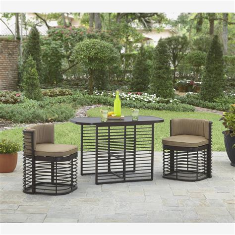 Outdoor Chairs For Balcony by Resin Outdoor Furniture Small Balcony Lounge Chair Clever