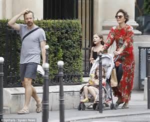 Maggie Gyllenhaal Husband Peter Sarsgaard   SEVSTAR