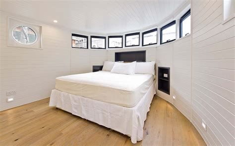 House Boat To Rent London by You Can Rent Richard Branson S London Houseboat Travel