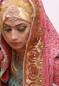 Shehreen Hijab : Focus on the Asian Bridal Hijab shehreenhijab