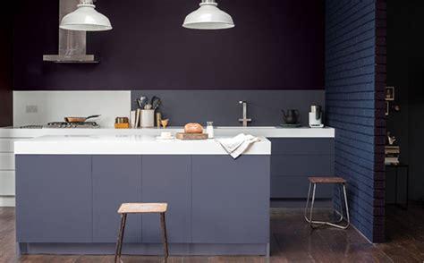 peindre cuisine melamine peindre une cuisine en mélaminé en gris shake my
